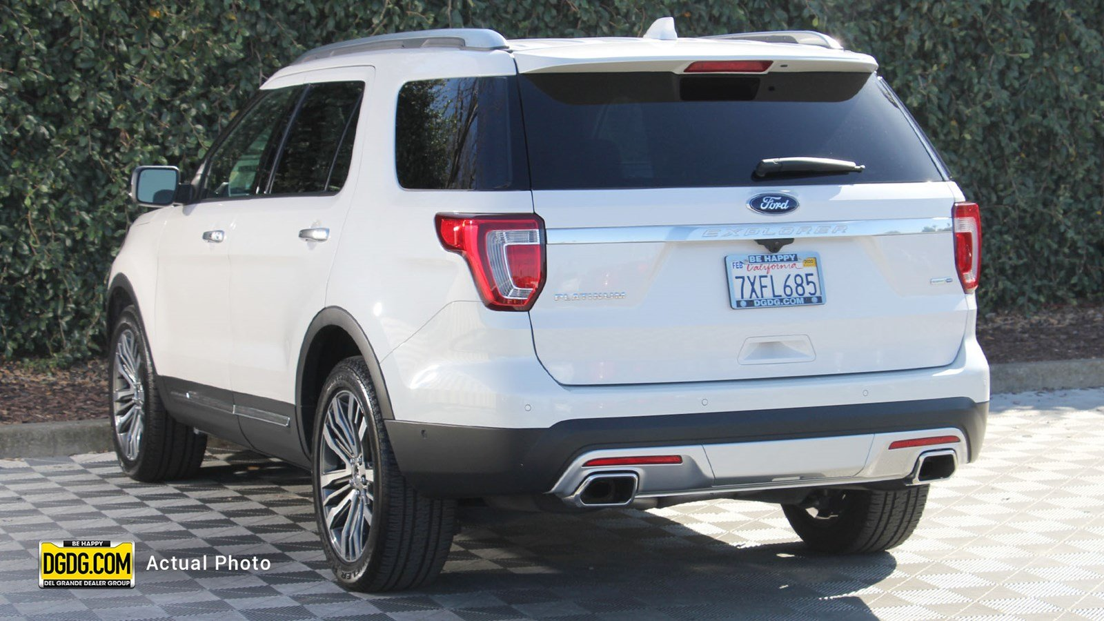 Certified Pre-Owned 2017 Ford Explorer Platinum