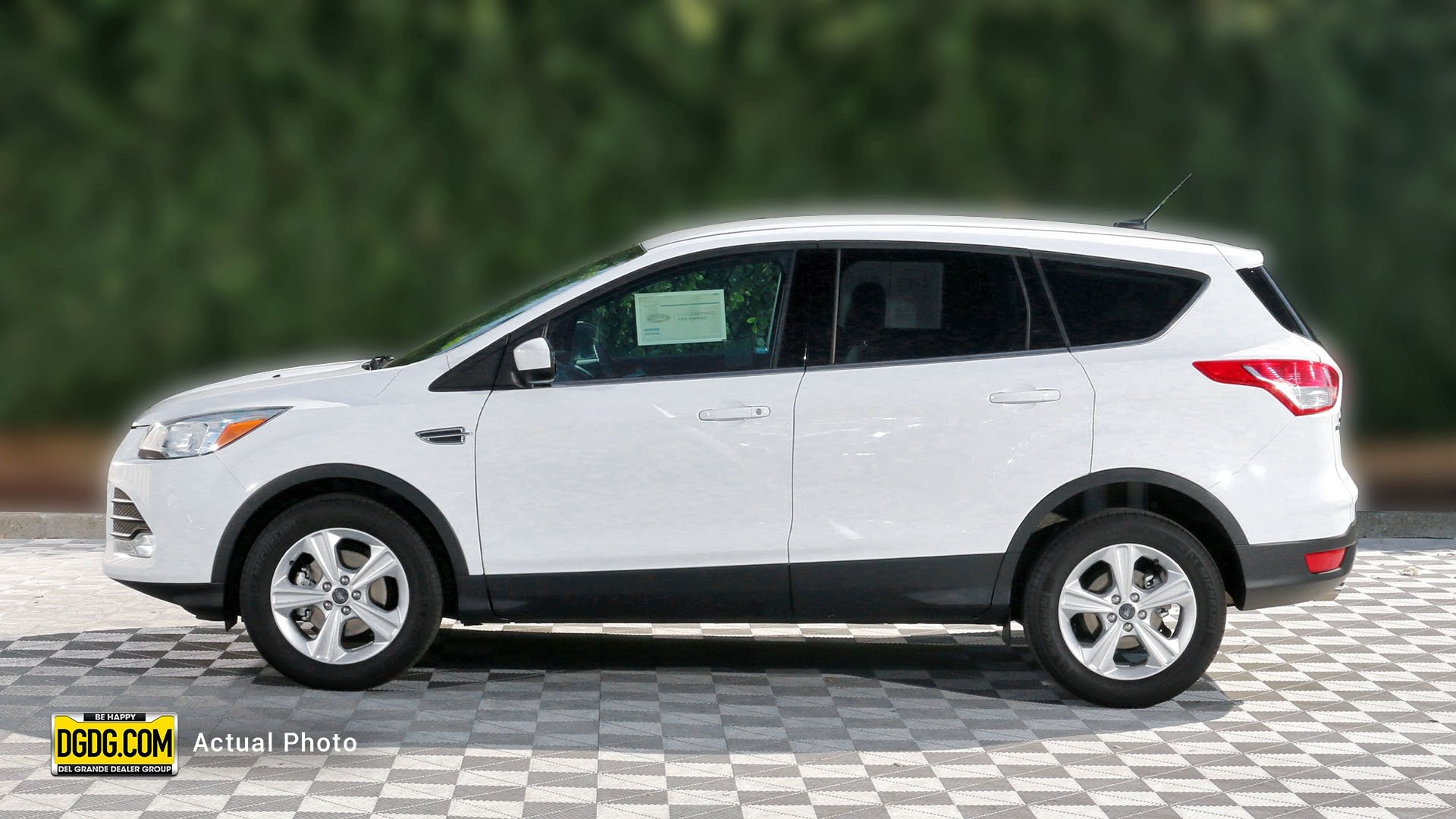 Certified pre owned 2016 ford escape se