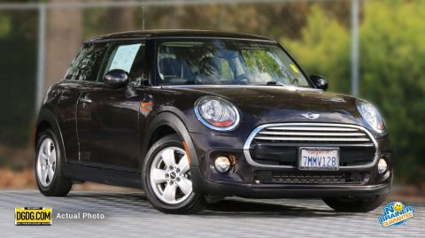 Pre-Owned 2015 MINI Cooper Hardtop Base